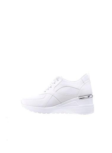 Limoya  Siyah Metal Topuk Detaylı Yüksek Tabanlı Spor Ayakkabı Beyaz
